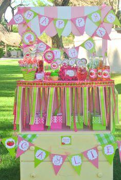 STRAWBERRY SHORTCAKE - RIBBON Garland - Girl Birthday Party - Little Girls - Table Garland - Decoration - Accessories - Poppysmic Bowtique