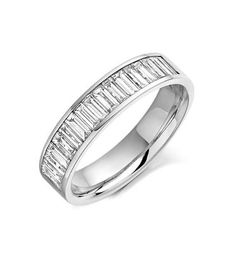 Alianza de boda con diamantes baguets engastados.    Demuéstrale que tu amor es eterno http://bit.ly/I6Eu6k