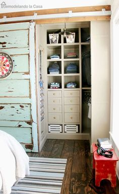 Teen boy room makeover - Full source list / Vintage Industrial