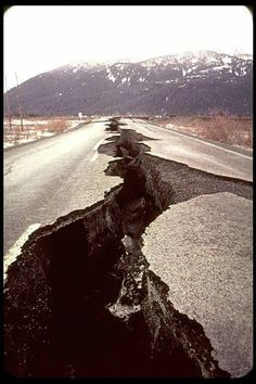 Most Terrifying and Devastating Earthquake, Tsunami and Other Natural Disasters Photos Tectonique Des Plaques, Fuerza Natural, Dame Nature, Wild Weather, Tornados, Natural Phenomena, Science And Nature, Natural Wonders, Amazing Nature
