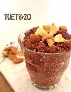 Cacao havermout ontbijt - 125 gr havermout, 200 ml melk, 2 el cacao, zoetstof, banaan. een nachtje in de frigo laten staan en koud of warm opeten
