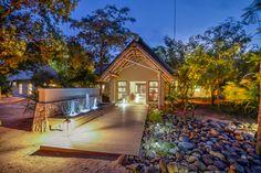 AM Lodge - Entrance