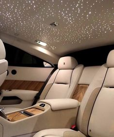 The high life luxury lifestyle expensive cars Royce Car, Top Luxury Cars, Luxury Cars Interior, Car Interior Design, Cute Car Accessories, Car Interior Accessories, Clothing Accessories, Tesla Roadster, Girly Car