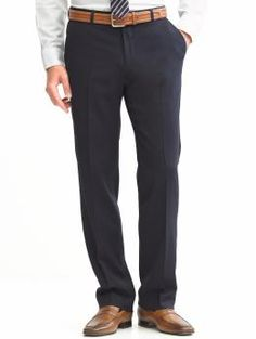 Cool belt and shoes. Work Suits, Latest Shoes, Wool Pants, Modern Outfits, Banana Republic, Shirt Dress, How To Wear, Shirts, Clothes