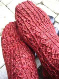 Ravelry: Phellogen pattern by Glenna C.