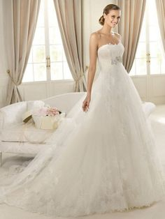 Ball Gown Sweetheart Lace Tulle Sweep Train Appliques Wedding Dresses at Msdressy