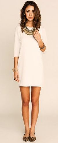Shift dress outfit - Simple white dress with statement accessories. This would be cute to wear to a wedding. But the color would have to be different. Simple White Dress, Little White Dresses, Trendy Dresses, Cute Dresses, Short Dresses, Mode Outfits, Dress Outfits, Casual Outfits, Woman Outfits