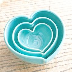 Cute-as-can-be heart-shaped nesting bowls. For candy, candles, dip, nuts Shades Of Turquoise, Bleu Turquoise, Aqua Blue, Shades Of Blue, Blue Green, Verde Tiffany, Azul Tiffany, Tiffany Blue, Turquoise Cottage