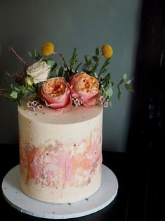 Secrets of the Suppliers // What to ask your Wedding Cake Baker with Alice & Rosa Beautiful Cakes, Amazing Cakes, Cake Pops, Naked Wedding Cake, Textured Wedding Cakes, Boho Cake, London Cake, Floral Cake, Buttercream Cake