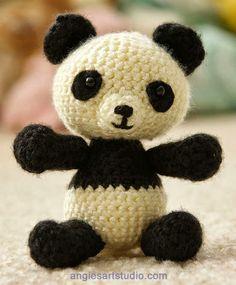 Patrones Amigurumi: Pablo, el panda juguetón