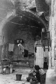 بيت في قرية دير ياسين - فلسطين عام 1941م