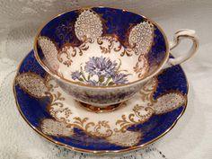 Vintage PARAGON  Fine Bone China Tea Cup & Saucer  - English