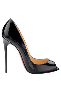 #Christian Louboutin 2014 Spring/Summer Este es el modelo de zapato que siempre me ha gustado, sin esas plataformas que solo indican que el que las usa no está conforme con su tamaño. es un símbolo de la no aceptación personal.