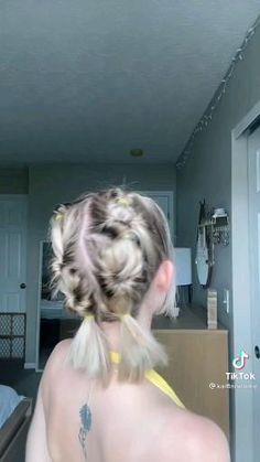 Work Hairstyles, Easy Hairstyles For Long Hair, Baddie Hairstyles, Braids For Long Hair, Hair Tips Video, Hair Videos, Hair Up Styles, Medium Hair Styles, Pretty Short Hair
