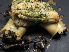 Dit is een redelijk eenvoudige risotto met veel groenten en gaat heel goed samen met een visgerecht. De lasagnebladen geven een extraatje aan het gerecht, en zorgt ook voor een mooie opmaak van het bord. Je zou dit eventueel kunnen weglaten, uiteraard zou ik het er wel bij doen.