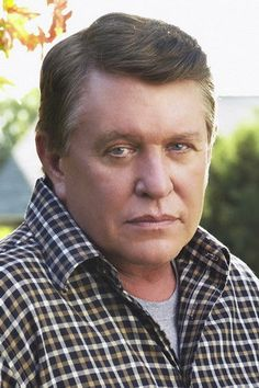 Allison Moore Tom Berenger