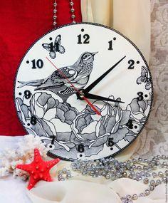 """Купить Часы """"Птица"""" - белый, черный, птица, цветы, подарок, часы, роспись, дерево основа"""
