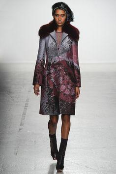 John Galliano Fall 2014 RTW - Runway Photos - Fashion Week - Runway, Fashion Shows and Collections - Vogue