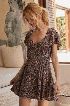 VEZARON Elegant Womens Long Dresses with Pockets Ladies Summer Fashion Off-Shoulder Ruffle Dress Side Open Beach Dress XXL, Red