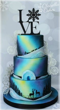 Northern Lights Winter Wedding Cake by Clairella Cakes #winterwedding #Finland #IceChapel #airbrushed #handpainted