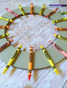 This Back to School Crayon Wreath makes for a perfect Teacher Appreciation Gift diy craft project!