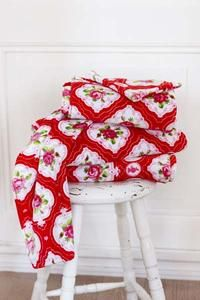 Pip towels--so pretty! Cool Patterns, Beautiful Patterns, Chinese Blossom, Red And Pink, Red And White, Red Cottage, Pip Studio, Textiles, Cath Kidston