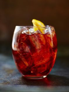 Been told the best recipe is 3 parts gin, 2 campari, 1 sweet vermouth with orange peel (no whites). Negroni is the ultimate Italian cocktail. Invented in Florence, which adds a certain classical appeal, it's a great digestif and an even better aperitif. Party Drinks, Cocktail Drinks, Fun Drinks, Cocktail Recipes, Alcoholic Drinks, Beverages, Cocktail List, Red Cocktails, Refreshing Cocktails