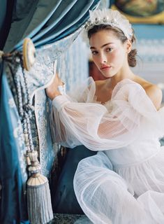 Need some inspiration? Here is our Marie Antoinette wedding and bridal inspiration at the Chateau de Villette with Monsoleil weddings and Type A Society! French Wedding, Dream Wedding, Paris Wedding, Timeless Wedding, Wedding Things, Bridal Gowns, Wedding Gowns, Bridal Boudoir, Belle Hairstyle