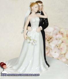 Procurando um casal de noivinhos para seu bolo de 3 andares? Olha só a nossa sugestão de hoje! www.noivinhostopodebolo.com