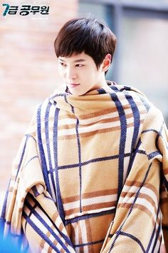 Level 7 Civil Servant ♥ Joo Won as Han Gil Ro