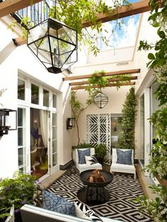 {courtyard house} Grand House Belgravia - Helen Green Design