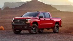 The new 2019 Chevy Silverado 1500 LT Trail Boss edition is aimed at wooing the off-road centric users. The company showcased the model in a dramatic event ahead of the Detroit auto show by using a helicopter on Texas Motor Speedway. Chevrolet Silverado 1500, Silverado Z71, Chevrolet Colorado, Auto Hyundai, Autos Toyota, Autos Ford, New Pickup Trucks, Chevy Trucks, Deporte