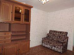 Предлагаем для долгосрочной аренды в Ставрополе  2 - комнатная квартира по адресу Вокзальная 46, Ж/д вокзал , ремонт косметический,кухня эконом, мягкая мебель, СССР, если мебель не нужна можем убрать, общей площадью 53.7 кв.м, дом Кирпич, Центральное отопление, Газ-плита, без бытовой техники,парковка стихийная, номер объявления - 36412, агентствонедвижимости Апельсин. Услуги агента только по факту заключения договора.Фотографии реальные.   Подробно…