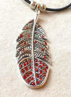 Grande piuma collana gioielli tribali rosso strass di FunNFiber