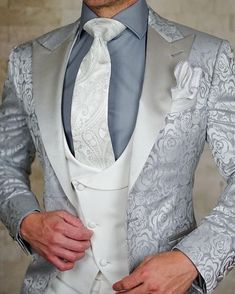 Ideas wedding suits men ideas mens fashion for 2019 Mens Fashion Suits, Mens Suits, Fashion Outfits, Wedding Dress Men, Wedding Suits, Style Masculin, Designer Suits For Men, Look Man, Well Dressed Men