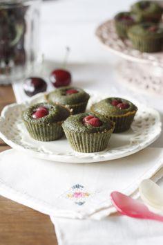 Cerise et pistache, l'association parfaite pour de savoureux mini-financiers sans gluten