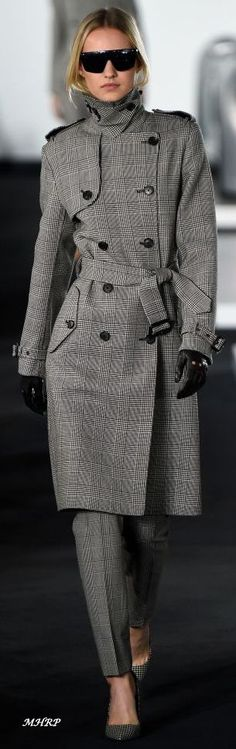 Ralph Lauren Spring 2018 - Out Trend Clothes Winter Stil, Winter Coat, Fashion 2018, Fashion Outfits, Womens Fashion, Looks Style, My Style, Traje Casual, Ralph Lauren Style