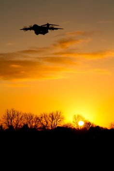 A beautiful sunset accompanies the Airbus A400M at RAF Brize norton.