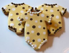 Best of Philly bakery for amazing wedding cakes, birthday cakes, cupcakes and cookie favors. Onesie Cookies, Baby Cookies, Baby Shower Cookies, Cute Cookies, Royal Icing Cookies, Cupcake Cookies, Sugar Cookies, Shower Cake, Cookie Designs