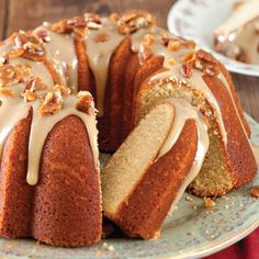 Praline Bundt Cake with Salted Caramel Sauce. This stunning praline bundt cake combines some of our favorite Louisiana flavors. Baking Recipes, Cake Recipes, Dessert Recipes, Milk Recipes, Pecan Praline Cake, Gateaux Vegan, Salted Caramel Sauce, Decadent Cakes, Thanksgiving Desserts