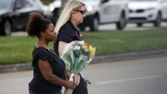 Florida school shooting: Armed officer 'did not confront killer' - BBC News