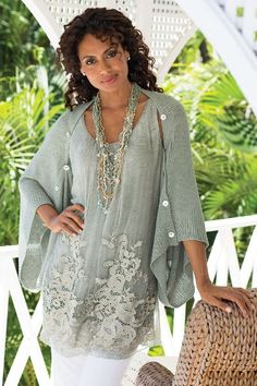Tunic - Soft Surroundings offers stylish, luxurious & comfortable women's clothes for every size. Find beautiful shoes and jewelry to match. Feel your best in the softest fabrics from Soft Surroundings. Fashion Over 50, Look Fashion, Fashion Outfits, Womens Fashion, Mode Ab 50, Bohemian Schick, Shrug For Dresses, Long Dresses, Estilo Hippie