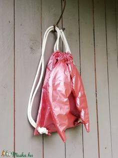 Angyalhátizsák, arany (zsiemankaje) - Meska.hu Drawstring Backpack, Baby Car Seats, Backpacks, Bags, Handbags, Backpack, Backpacker, Bag, Backpacking