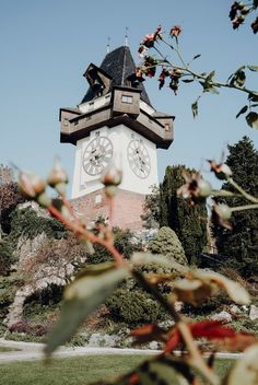 Graz – 27 Tipps & (kulinarische) Highlights für die Steiermark |Reisehappen Graz Austria, Aesthetic Pictures, Big Ben, Highlights, Clock, Restaurants, Travel, Group, Beautiful Places