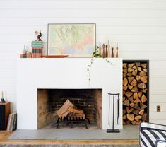 7 Fireplace & Mantel Decor Combos for Every Style (Emily Henderson Home Fireplace, Living Room With Fireplace, Fireplace Design, Fireplace Mantels, Fireplace Ideas, Brick Fireplaces, Mantel Ideas, Em Henderson, Trumeau