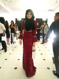 Pu3 Designs Long Dress, Madinah Flowery Beaded Scarf, Michael Kors Sling Bag - Haunting Allegory - Nadia Sabrina R