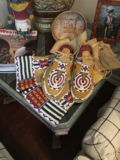 Women's Moccasins and Leggings in the Classic Century Style Native American Moccasins, Powwow Regalia, Beaded Moccasins, Plains Indians, Moccasin Boots, Pow Wow, Native Art, Bead Weaving, Women's Shoes