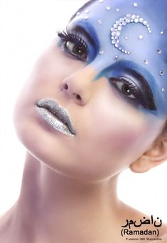 Blue makeup look