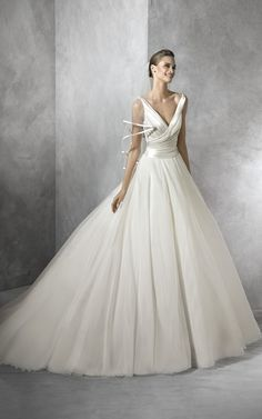 Bridal Gown By PRONOVIAS <3 TRESIA from the 2016 Collection x