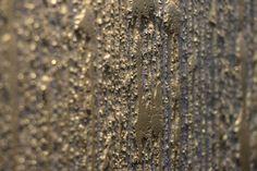 Un dettaglio di Segui il Tuo Isinto effetto bambu colore di fondo blu impreziosito di riflessi oro. #interiors #design #decorazione #casa #pitturadecorativa #pareti #ggf #giorgiograesan